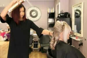 hairdresser-styling-models-hair (1)